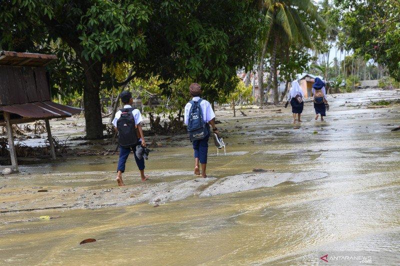 Dua warga Sigi dilaporkan meninggal diseret banjir