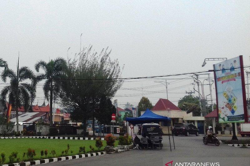 Kota Solok kembali diselimuti asap, jarak pandang kurang dari 2 kilometer