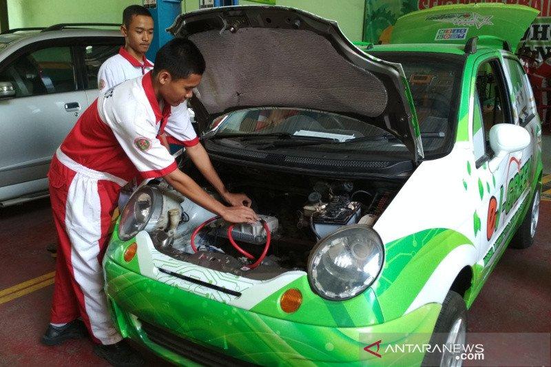 Mobil listrik dikembangkan SMK NU Ma'arif Kudus
