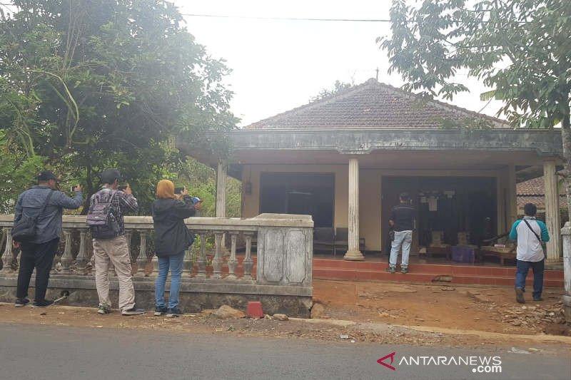 Suami Istri Terduga Teroris Ditangkap Di Gunungpati Semarang