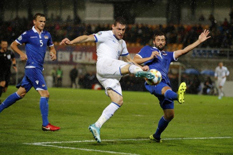 Italia pertahankan catatan, Swiss hidupkan asa