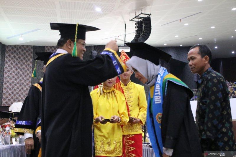 Rektor ULM larang penggunaan botol plastik di kampus