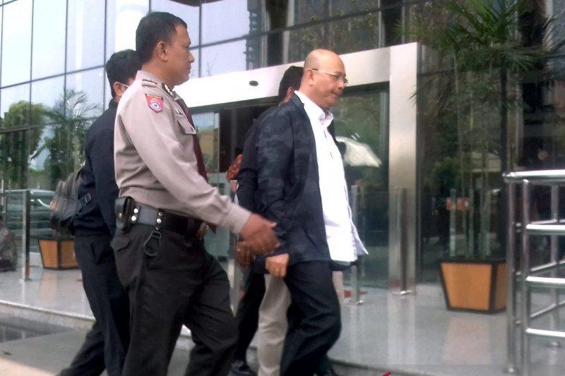 Saat berobat, KPK amankan Wali Kota Medan