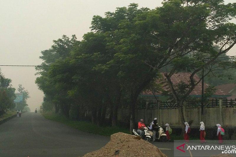 Solok Selatan liburkan sekolah akibat pekatnya kabut asap