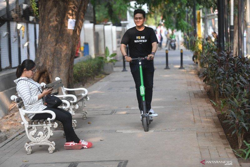 YLKI desak pemerintah atur keberadaan skuter listrik