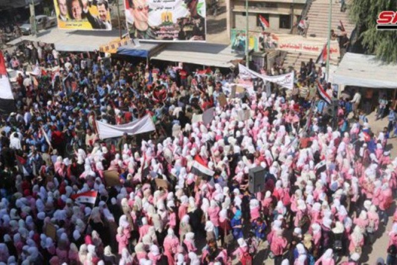 Warga Al-Mayadin sambut meriah tentara Suriah, kutuk serangan militer Turki