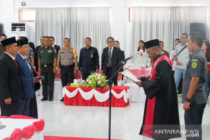 Dua Pimpinan DPRD Sitaro Resmi Dilantik
