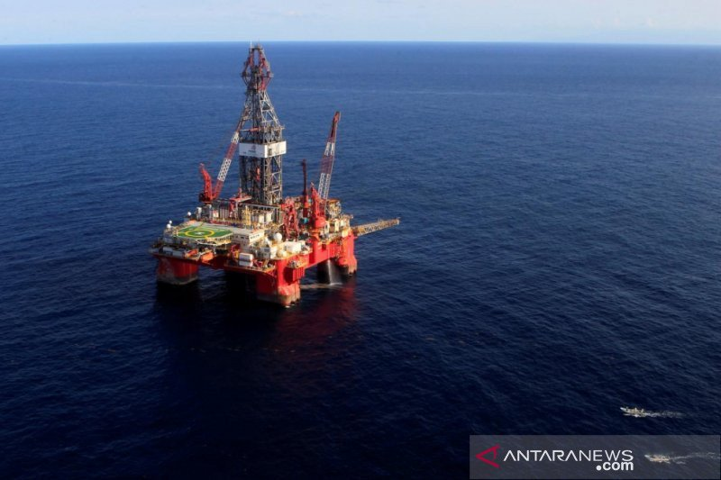 Harga minyak dunia turun tertekan data China yang lemah