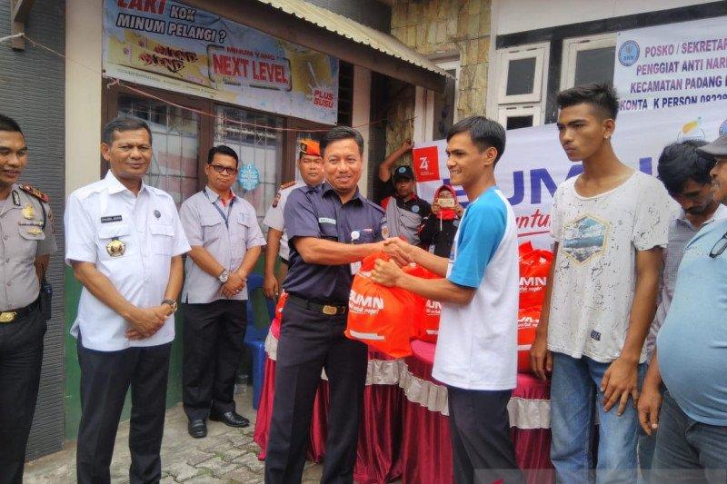Pegiat antinarkoba di Padang dapat bantuan BUMN Hadir Untuk Negeri