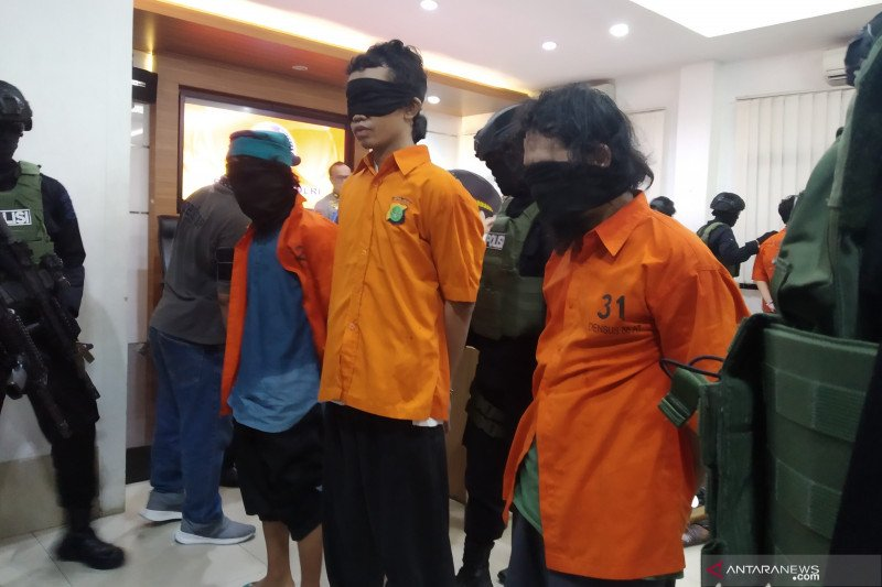Densus 88 tangkap empat terduga teroris di Jabar