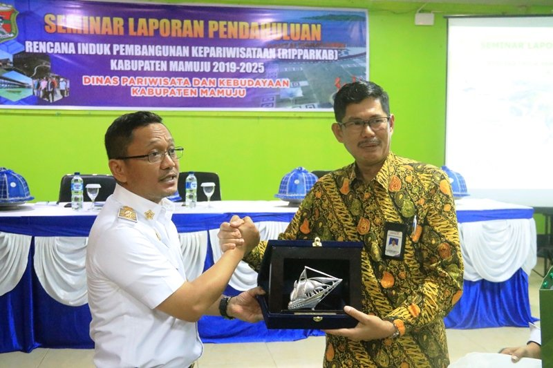 Pemkab Mamuju dan Poltekpar Makassar kerja sama kembangkan pariwisata