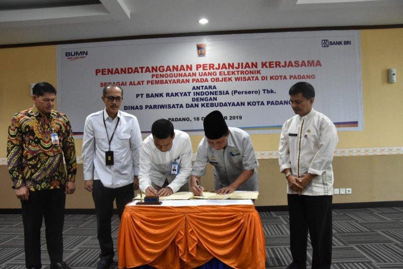 Pemko akan berlakukan uang elektronik untuk masuk Pantai Air Manis dan Gunung Padang