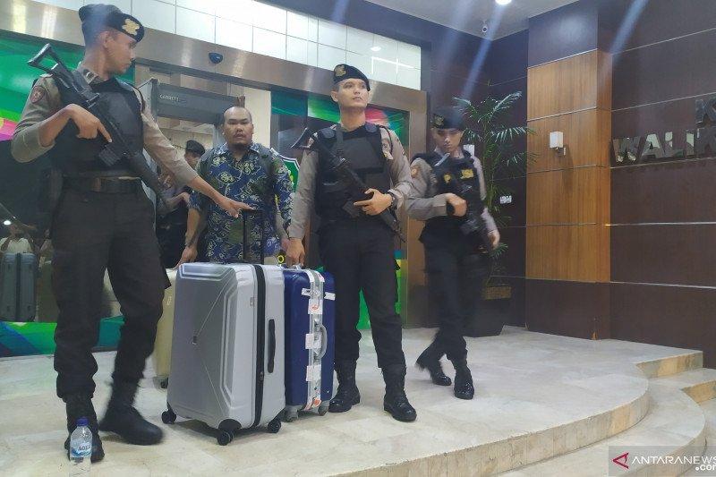 KPK sita sejumlah berkas dari kantor Wali Kota Medan