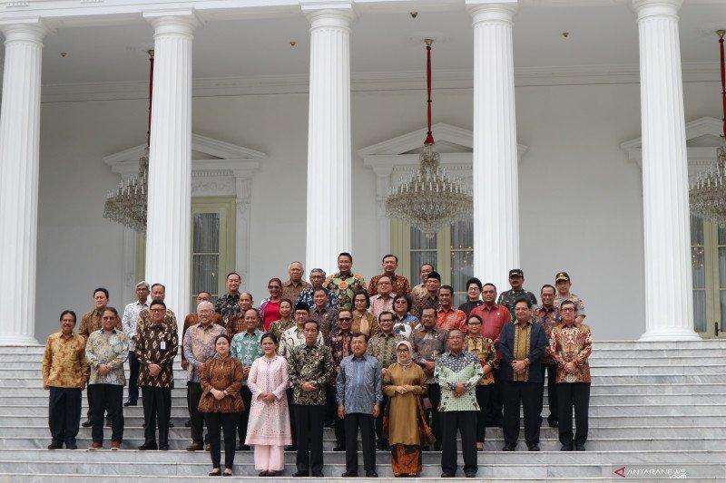Sabar menanti jajaran menteri baru Presiden Jokowi