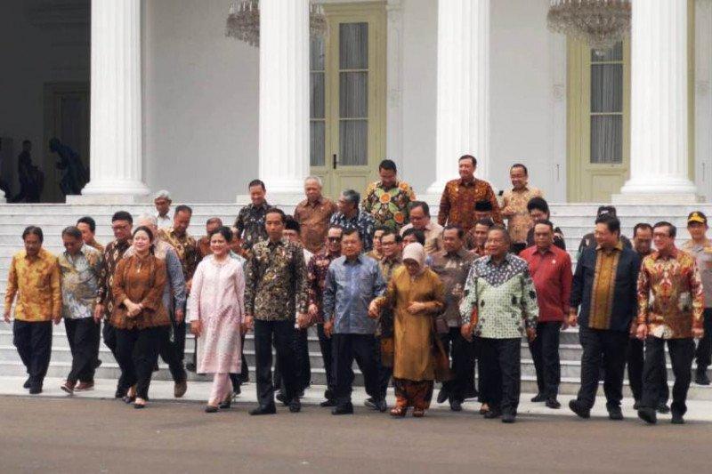 Presiden silaturahim dengan Wapres JK dan menteri Kabinet Kerja