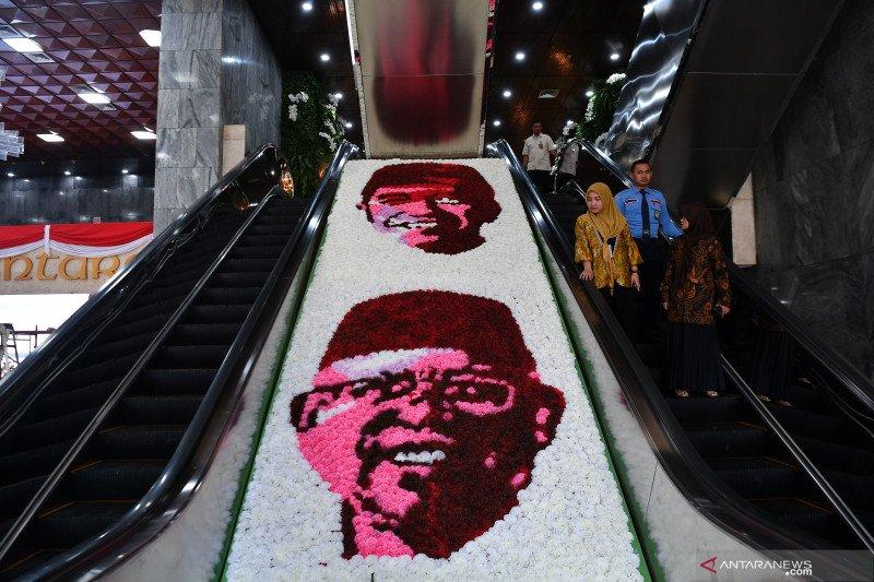 Bunga bentuk wajah Jokowi-Ma'ruf hiasi tempat pelantikan presiden