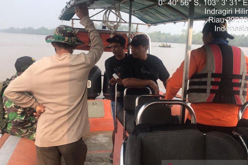 VIDEO - Perempuan muda Inhil hilang tenggelam saat menyeberang sungai