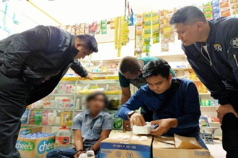 Hendak ditangkap, pria ini buang 45 gram sabu-sabu ke kios orang