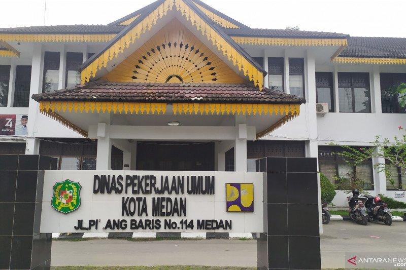 KPK geledah kantor Dinas PU Medan