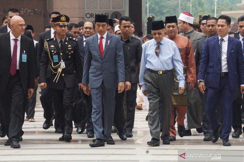 Perdana Menteri Mahathir  hadiri pelantikan Jokowi