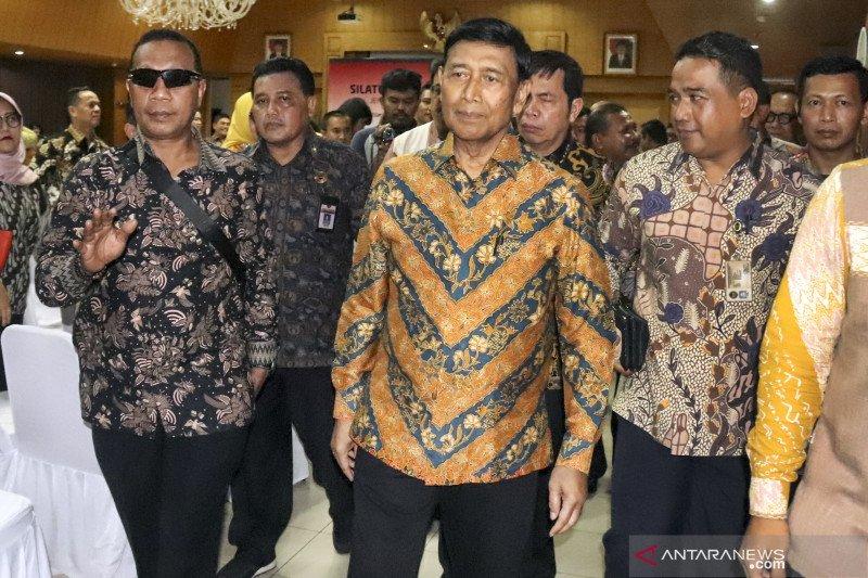 Kembali sambangi Kemenko Polhukam, Wiranto: Persiapan ganti kabinet