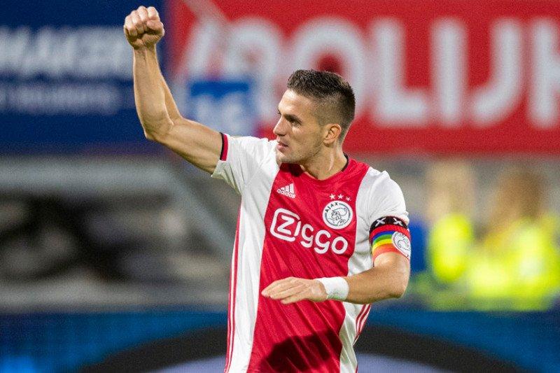 Ajax tundukkan RKC Waalwijk 1-2 di kandangnya