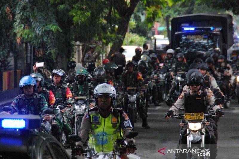 Hari pelantikan Presiden personel TNI-Polri di Sulteng gelar patroli gabungan