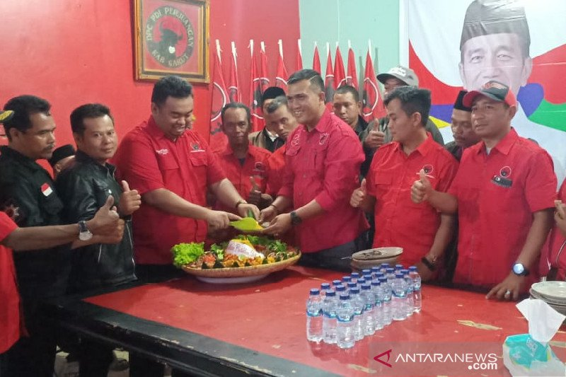 Pengurus PDIP Garut syukuran pelantikan Presiden-Wapres Indonesia