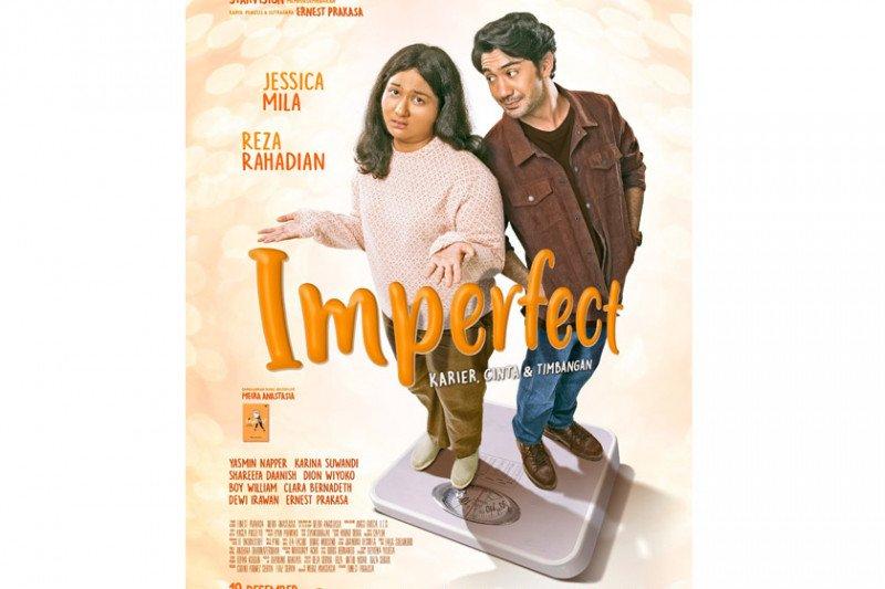 "Film ""Imperfect"" rilis poster bermetafora timbangan peran"