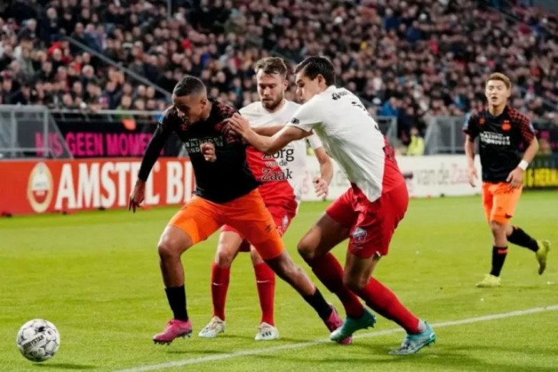 Utrecht bantai PSV 3-0