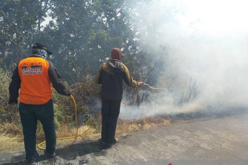Kebakaran di Gunung Semeru belum bisa dipadamkan