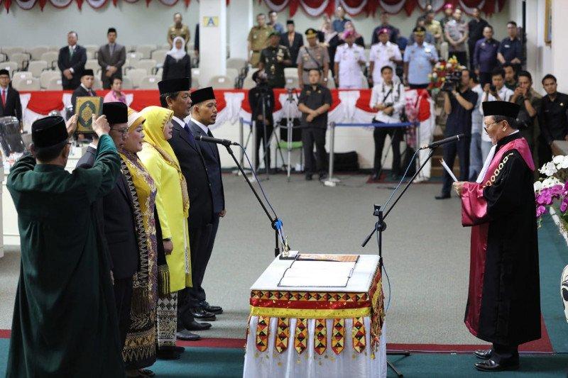 Mingrum Gumay resmi jabat Ketua DPRD Lampung periode 2019-2024