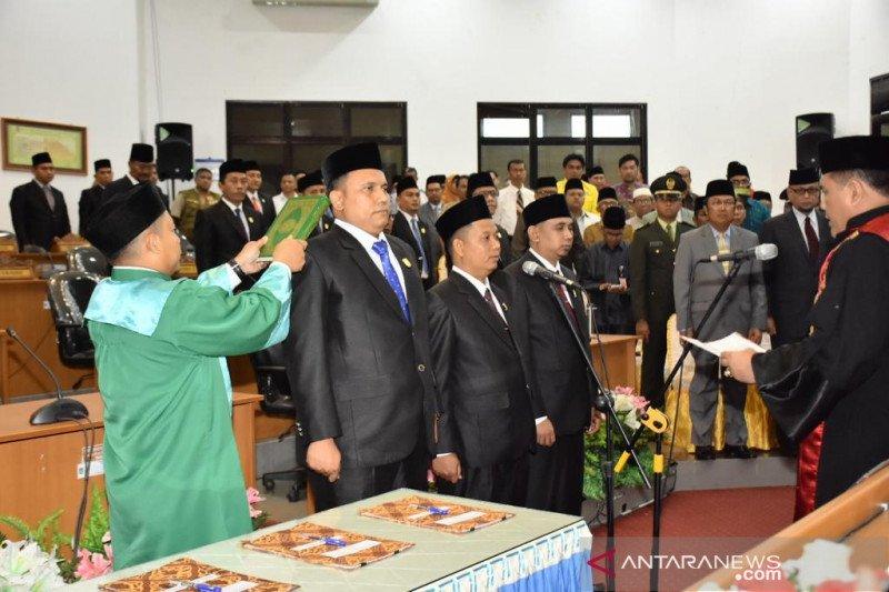Tiga pimpinan DPRD Dumai ucap sumpah pelantikan