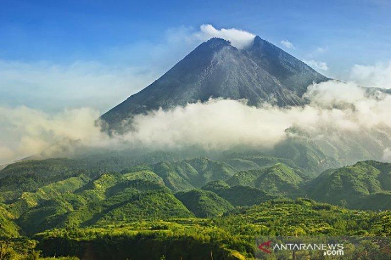 BMKG perkirakan angin kencang di Merapi dipicu aktivitas vulkanik