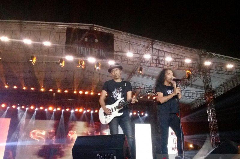 """Grup Slank tutup kemeriahan konser """"Musik Untuk Republik"""""""