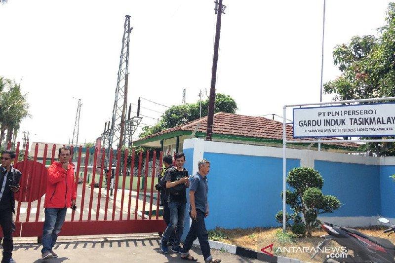 Densus geledah tempat kerja terduga teroris di Tasikmalaya