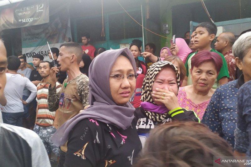Kebakaran di Sentosa Lama Medan: pemadaman, tangisan, tak sadarkan diri