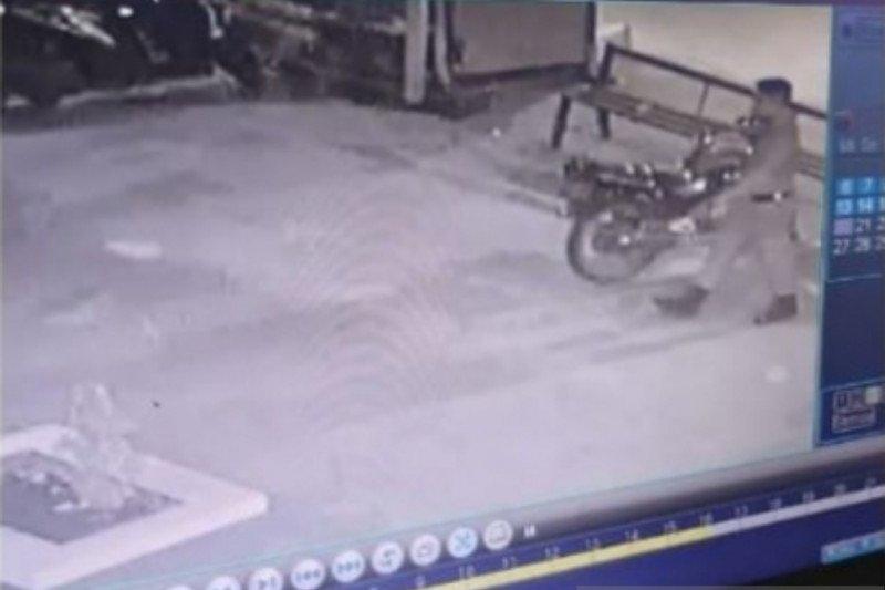 Satpol PP Jaktim bantah pencuri motor berseragam anggota