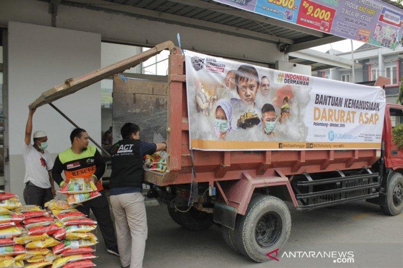 ACT Sumsel berangkatkan truk logistik ke wilayah terdampak karhutla