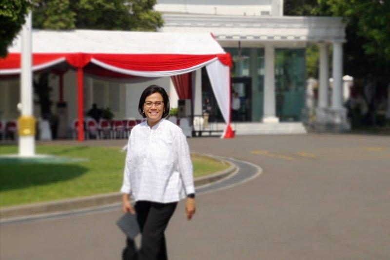 Sri Mulyani menjadi calon menteri pertama hari kedua tiba di Istana
