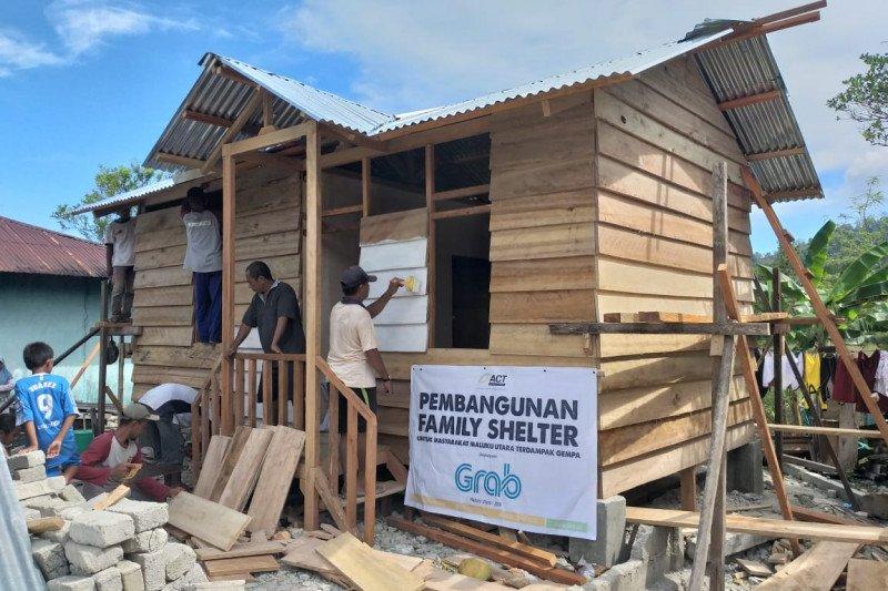 ACT bangun family shelter untuk penyintas gempa di Halmahera Selatan