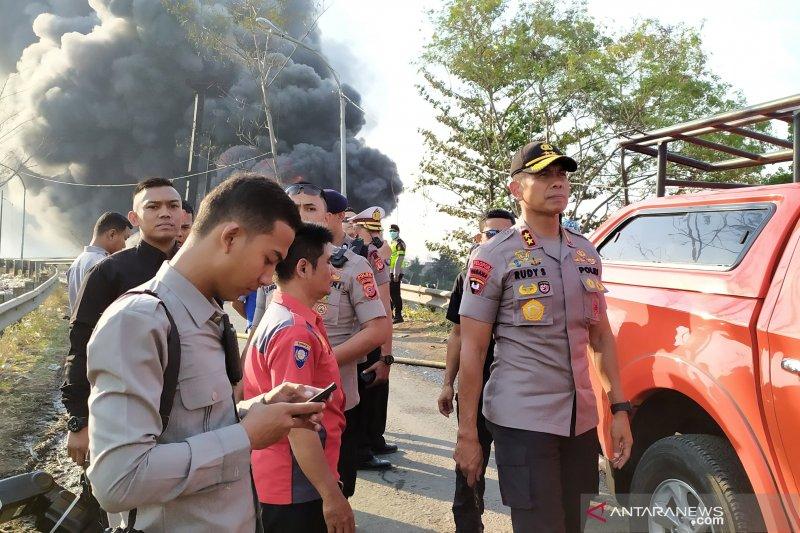 Dikabarkan seorang petugas operator tewas akibat kebakaran pipa minyak