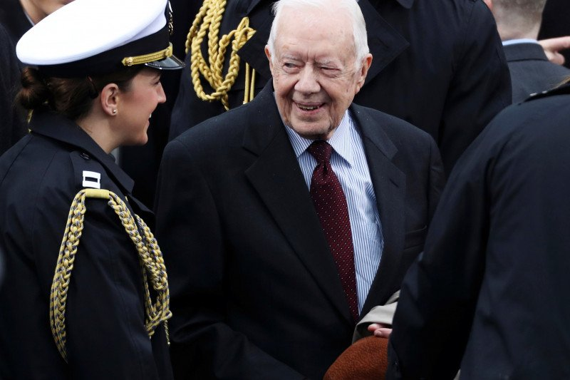 Mantan presiden AS Jimmy Carter dirawat di rumah sakit Atlanta