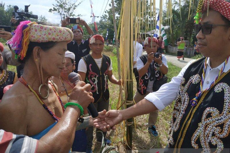 Tokoh muda suku Dayak ajak lestarikan budaya leluhur