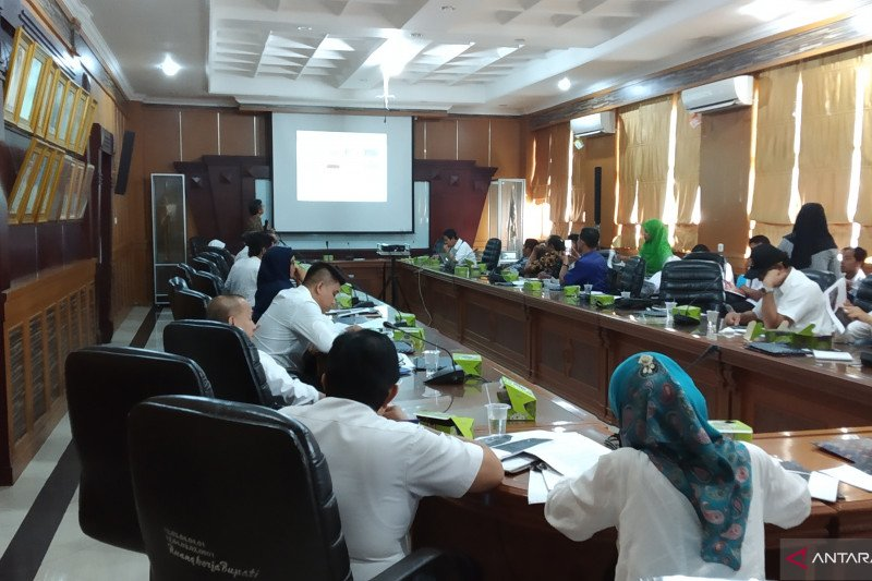 Tanah Datar develops Lake Singkarak become national Geopark area