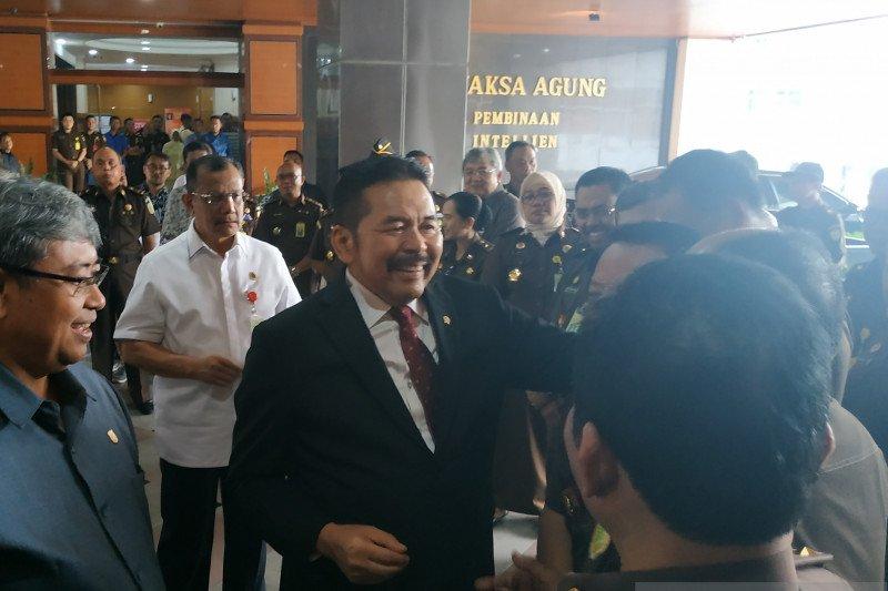 Jaksa Agung ST Burhanuddin mengaku profesional walau saudara TB Hasanuddin
