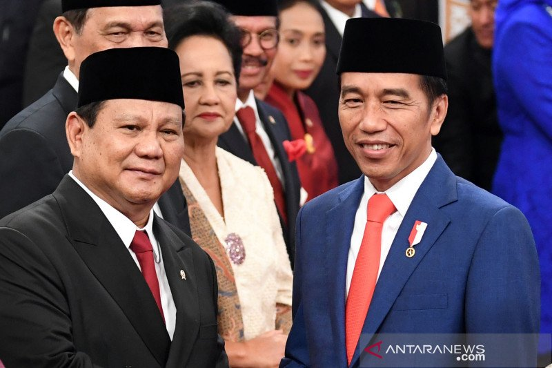 Jokowi springs surprise with Prabowo Subianto's inclusion in new cabinet