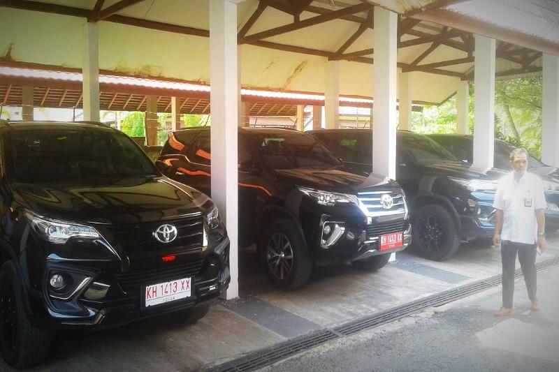 Pimpinan DPRD Kotim dapat mobil dinas baru