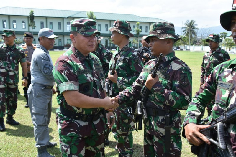 Panglima Kodam Xlll/Merdeka lepas 209 prajurit Satgas Pamputer 2019