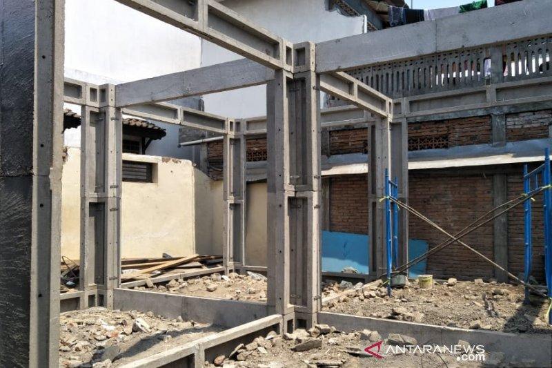 Polisi telusuri kasus penyimpangan rumah tahan gempa